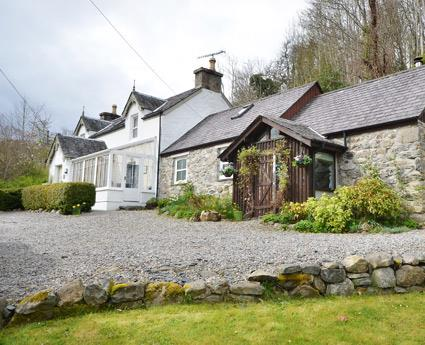 Dunollie House & The Byre
