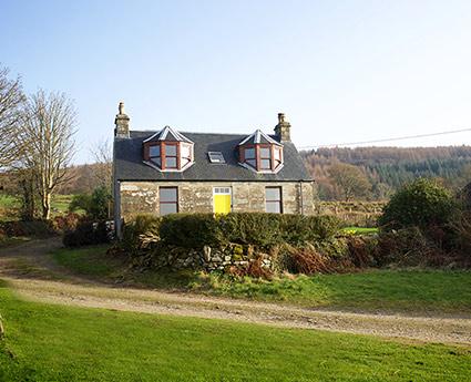 Inverlussa Cottage