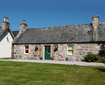 Tigh Na Tri Cottage