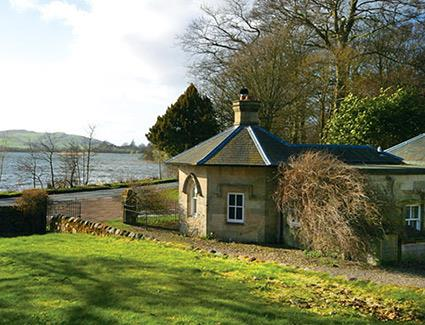 Inchrye Lodge, Lindores Loch